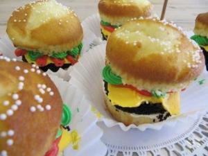 Cheeseburger Cupcake Reszie